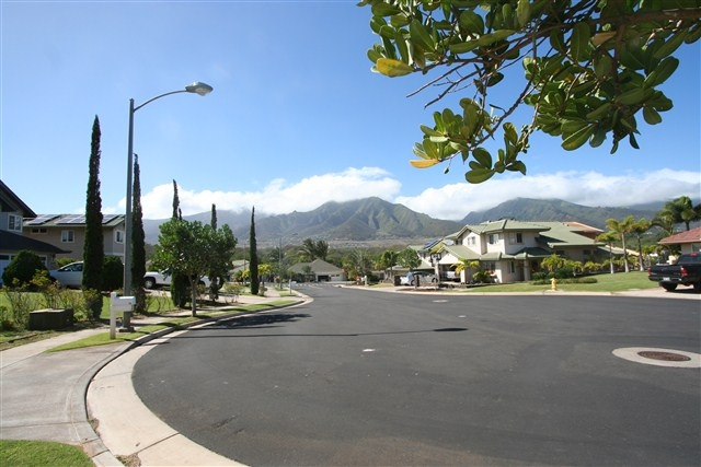 The Island Street Scene The Island & The Bluffs at Maui Lani